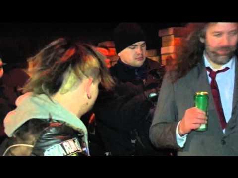 Bier trinkt das Volk! Die PARTEI Leipzig und LEGIDA