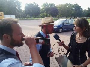 Direktkandidaten geben Interview für Mitteldeutschen Rundfunk