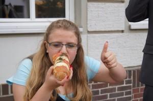 Sandwiches immer senkrecht, niemals waagerecht essen